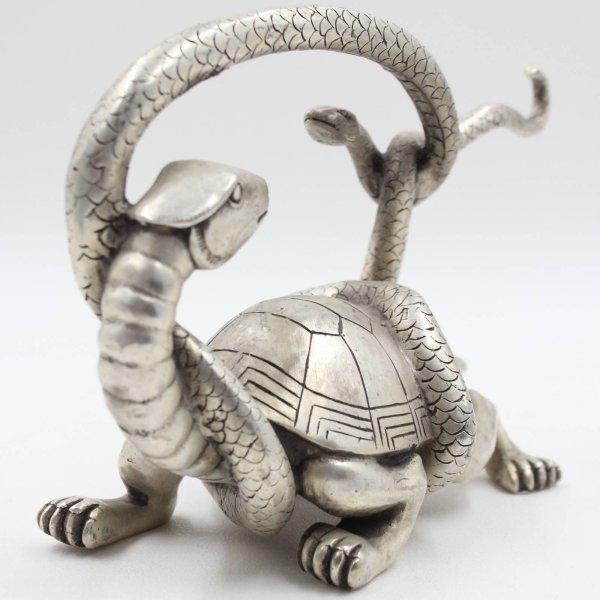 Schildkröte mit Schlange aus Bronze - Fabelwesen
