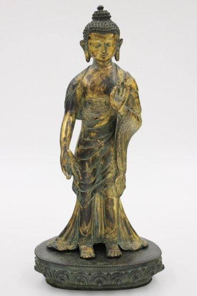 Amoghasiddhi Buddha Figur mit lehrender Geste