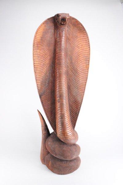 Kobra Schlange aus Holz geschnitzt