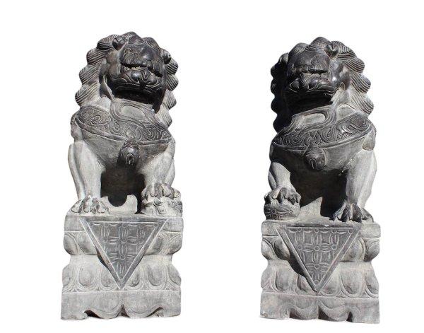 Chinesische Tempellöwen aus Naturstein