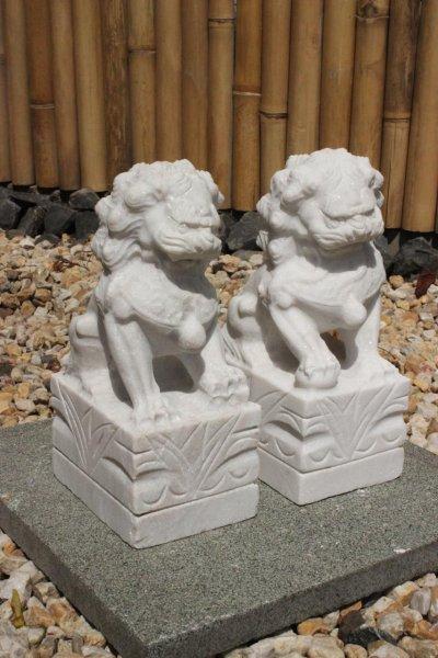 Wächterlöwen Fu Dogs aus Marmorstein