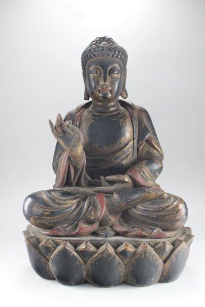 Holz Buddha Figur mit Karana Mudra