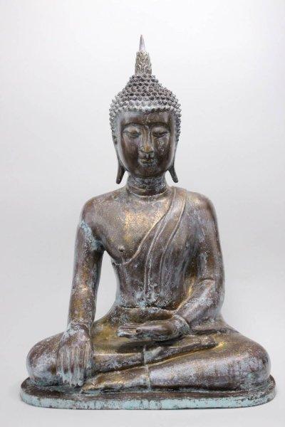 Shakyamuni Buddha Figur aus Bronze mit Patina