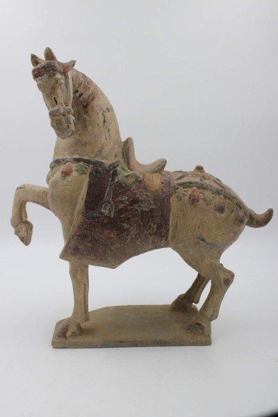 Asiatisches Tang Pferd aus Ton
