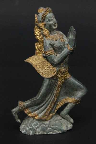 Thailändische Tempelwächterin aus Bronze