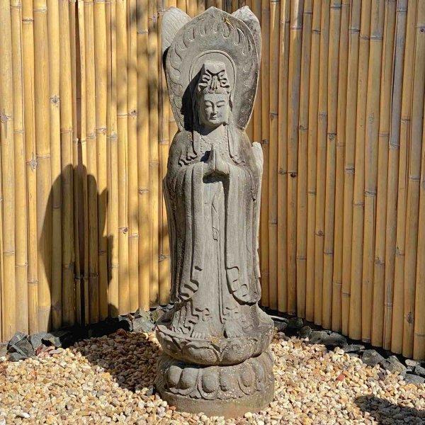 Gigantische Guan Yin Buddha Statue aus Naturstein