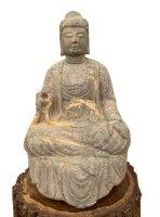 Stein Buddha Figur (72cm) auf Holz Podest