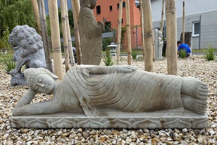 liegender-Garten-Buddha