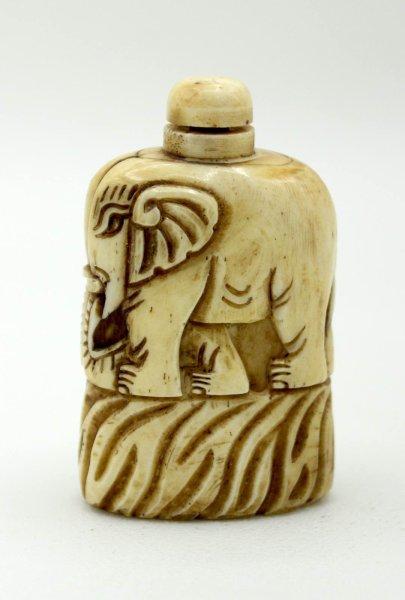 Snuff Bottle - Elefant Figur aus Yak - Knochen geschnitzt