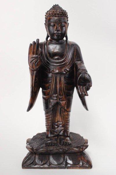 Stehende Holz Buddha Figur