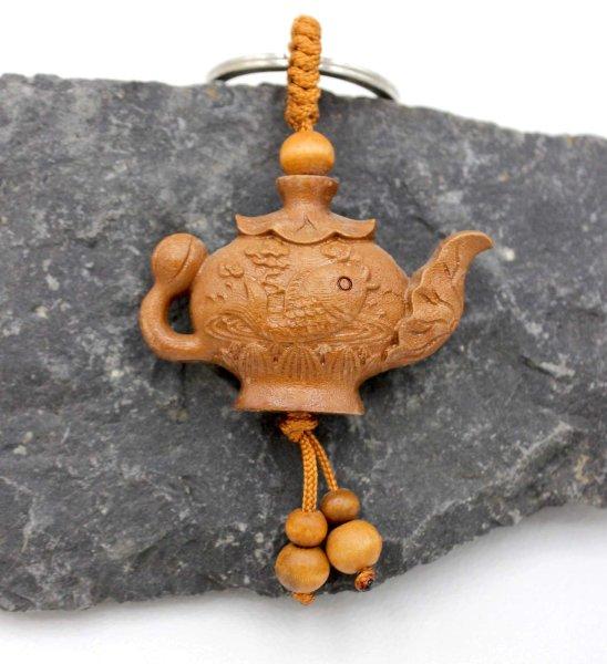 Teekannen Schlüsselanhänger mit Koi Fisch aus Rosenholz
