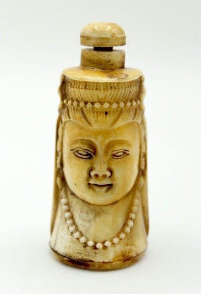 Kwan-Yin Buddha Büste - Snuff Bottle - Yak Knochen
