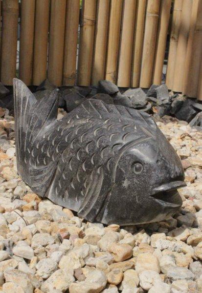Koi-Fisch Wasserpeier Tierfigur, Naturstein