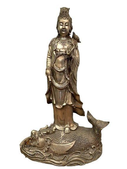 Kwan-Yin Buddha Figur, Bronze auf Drachen Fisch