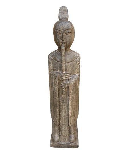 Buddhistischer Zen Mönch mit Shakuhachi Meditations Flöte - Naturstein