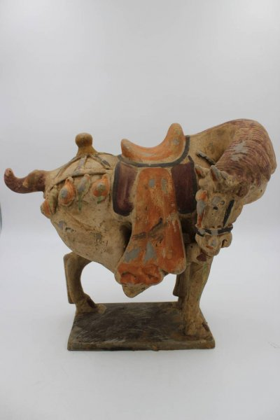 Chinesische Pferdefigur der Tang-Dynastie