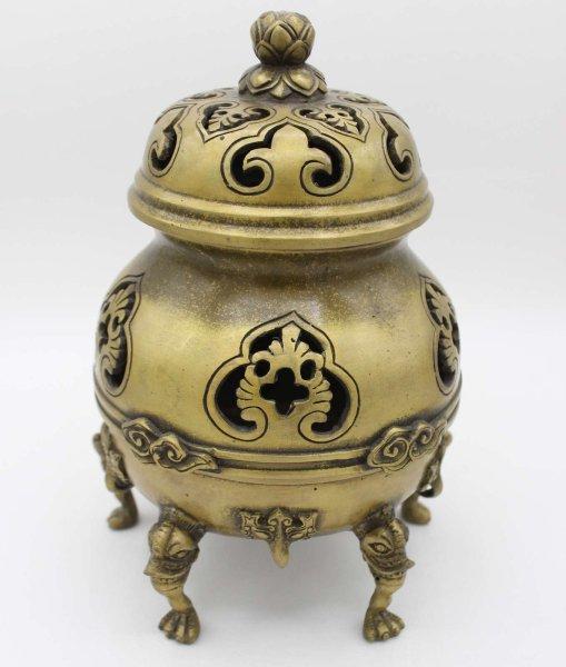 Bronze Räuchergefäß mit Lotusblume und Ornamenten
