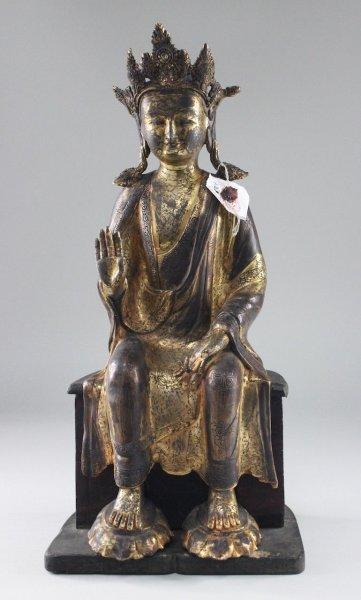 Maitreya Buddha Figur mit Restvergoldung
