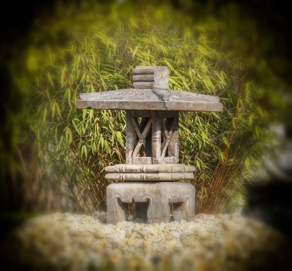 asiatische-steinlaterne-pagode