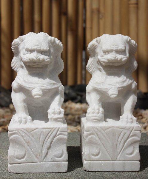 Tempellöwen Fu Dogs aus Marmorstein