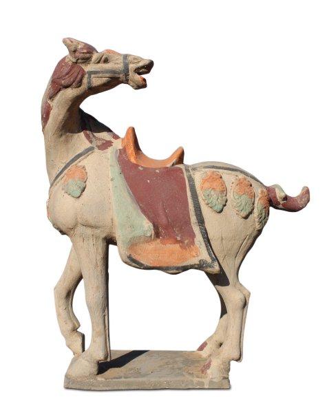 Chinesisches Tang Pferd aus Ton