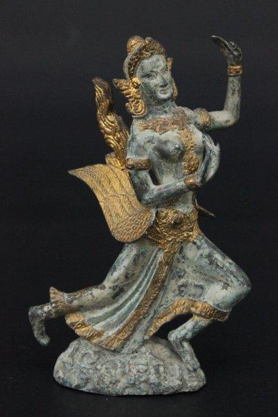Tanzende Tempelwächterin aus Bronze