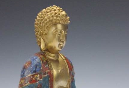 Buddha Figur: Geste des Gleichgewichts